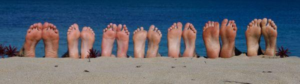 01 beach feet