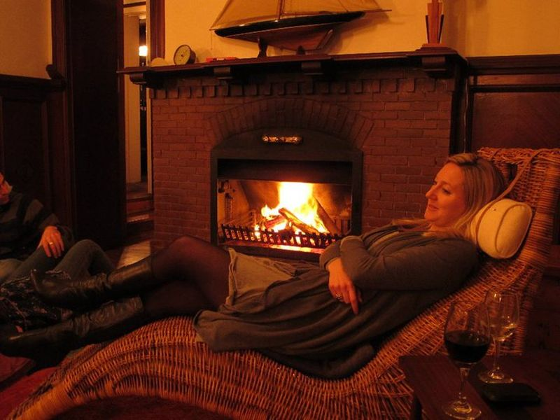 Villa St James Cozy Fireplace