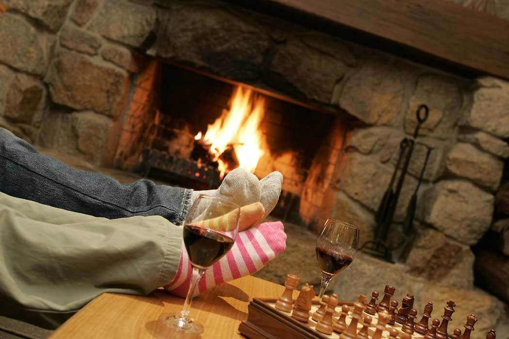 Wonderful Fireplaces In The Dining Room For Cozy And Warm: Cozy Winter Getaways: Beat The Chill With Our Fireside