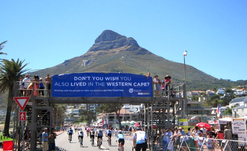 Cape Town Cycle Tour, Camps Bay Photo Cycle the Cape