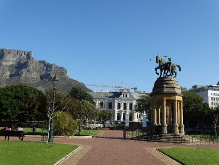 Bike Tours Cape Town with art and graffiti