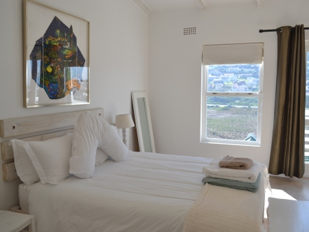 Self catering accommodation in Glencairn, Cape Town