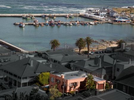 Kalk Bay Bed & breakfast, Self catering accommodation