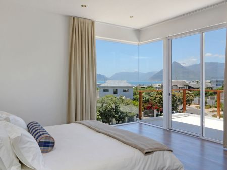 Kommetjie, Cape Town - selfcatering beach house